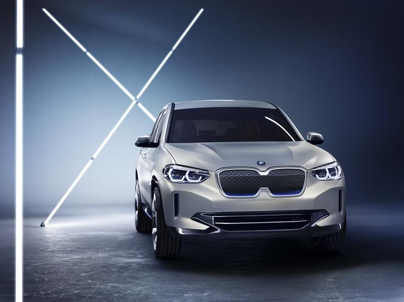 Wallpaper of the Day: 2018 BMW iX3 Concept