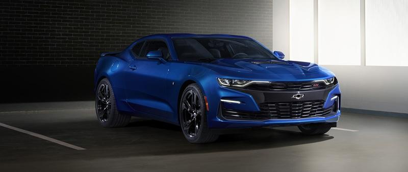 Chevy Responds to the 2018 Ford Mustang by Updating the Camaro in All the Right Ways
