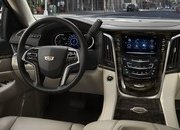 GM Offering As Much as $10,000 off the Escalade in Hopes Customers Will Forget About the New Lincoln Navigator - image 777601