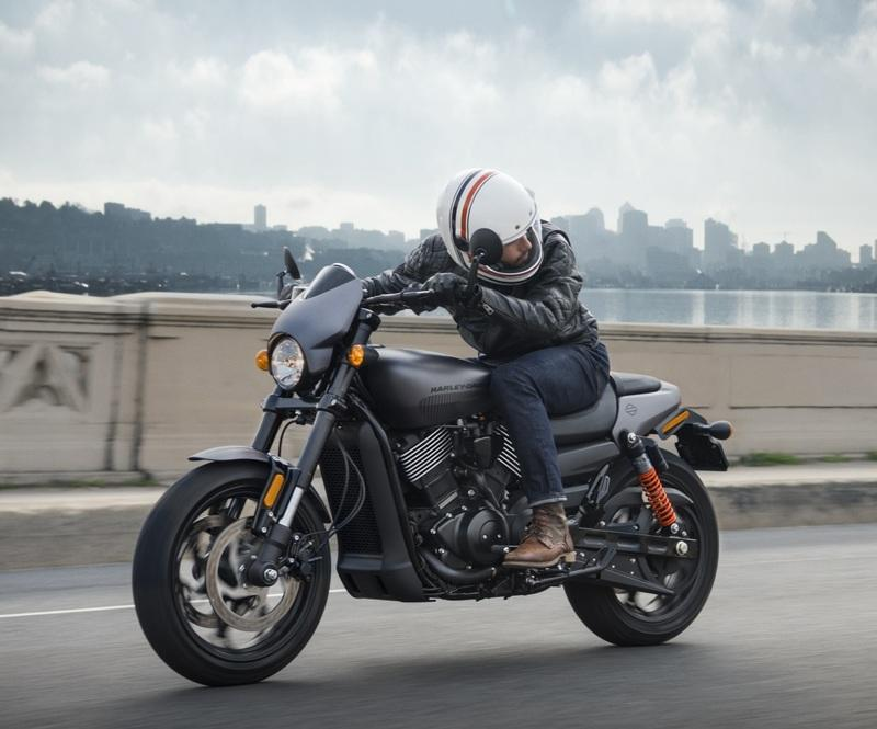 Harley-Davidson is giving money and a free bike to write about them on social media Exterior - image 778294