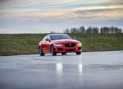 Barely a Day After its Unveiling, The Jaguar XE 300 SPORT Already Holds A Unique Record - image 777895