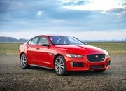 Barely a Day After its Unveiling, The Jaguar XE 300 SPORT Already Holds A Unique Record - image 777909