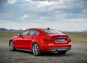 Barely a Day After its Unveiling, The Jaguar XE 300 SPORT Already Holds A Unique Record - image 777910