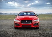 Barely a Day After its Unveiling, The Jaguar XE 300 SPORT Already Holds A Unique Record - image 777912