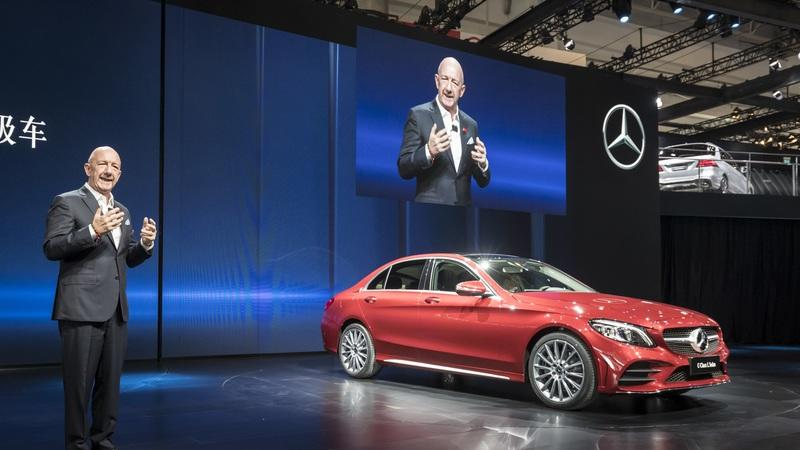 Mercedes C-Class L Stretches in Front of Beijing Crowd