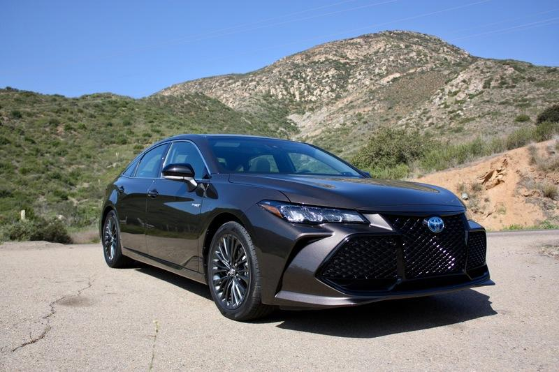 The Adaptive Suspension On The 2019 Toyota Avalon Works Wonders Exterior - image 778130