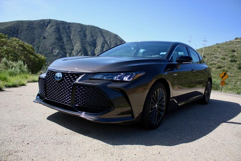2019 Toyota Avalon - Driven Exterior - image 778131
