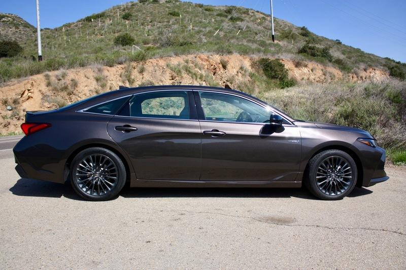 2019 Toyota Avalon - Driven Exterior - image 778132