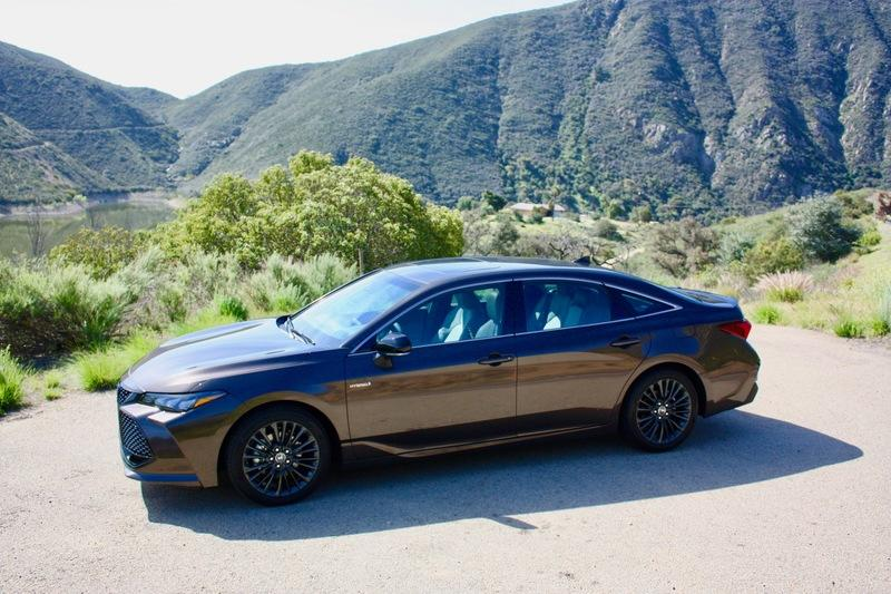 The Adaptive Suspension On The 2019 Toyota Avalon Works Wonders Exterior - image 778129