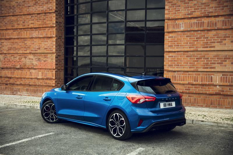 The New Ford Focus is Here, and It's Itching for a Shot at the Volkswagen Golf and Honda Civic Exterior Interior - image 776864