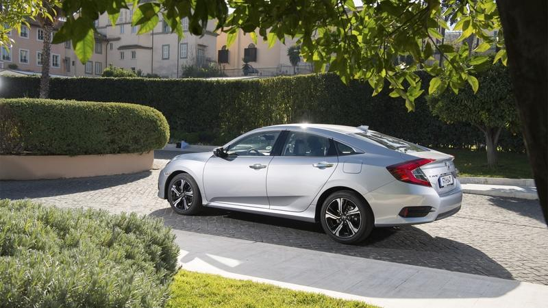 As Ford Cancels its Future Sedans in America, Honda Introduces the Civic Saloon to the U.K.