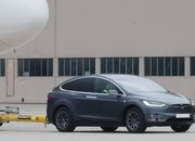 Tesla Model X Pulls 56 Times its Maximum Towing Capacity; Set's New World Record as it Moves a Boeing 787-9 Dreamliner - image 780767