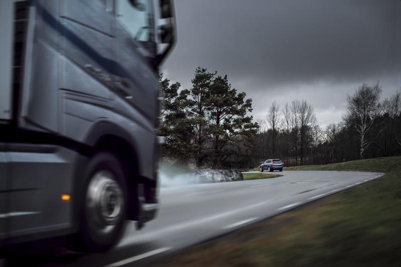 Volvo Cars and Trucks Will Gossip About Road Hazards