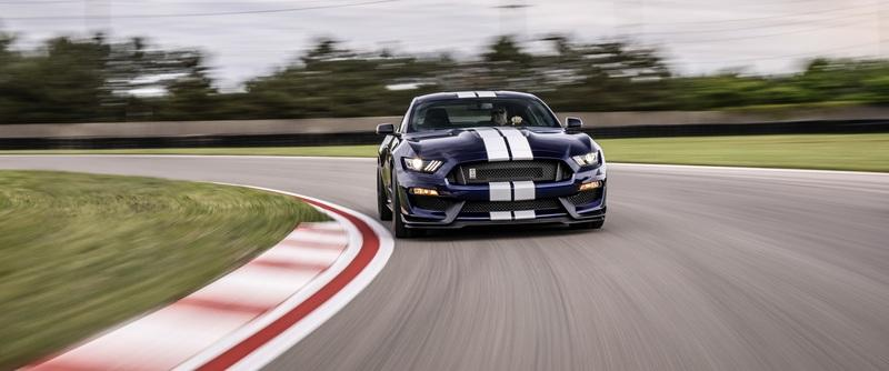 Ford Infuses the 2019 Mustang Shelby GT350 with Racing and GT500 DNA Exterior Wallpaper quality - image 783125