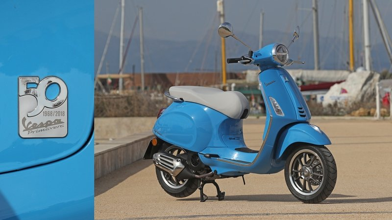 Vespa Showcases 2019 SE Models at Amerivespa
