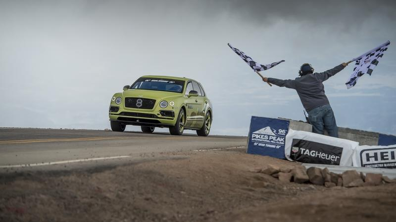Bentley Bentayga smashes SUV record at Pikes Peak