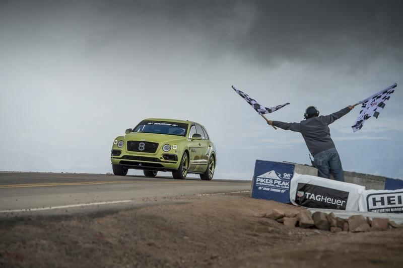 Bentley Bentayga smashes SUV record at Pikes Peak - image 784731