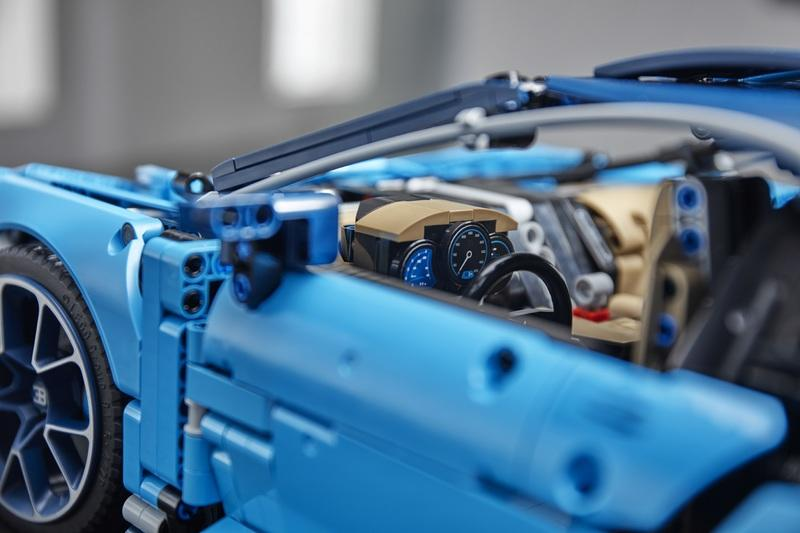 The Lego Technic Bugatti Chiron is So Precisely Detailed that the W-16 Engine Even Has Moving Pistons