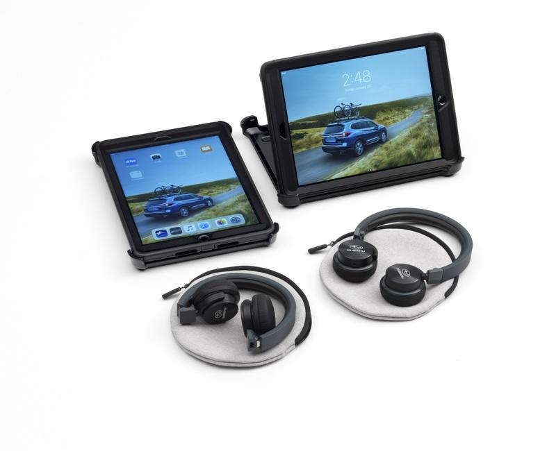 Subaru's Idea of a Rear-Seat Entertainment System Involves a Pair of iPads, Harman Kardon Headpones, and Otterbox Cases