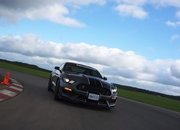Video of the Day: BMW M2 vs. Ford Mustang Shelby GT350 - image 782037