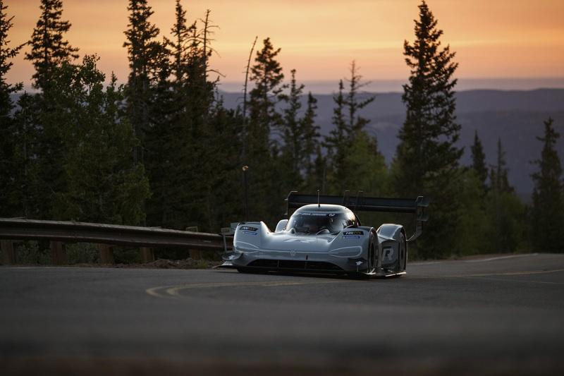 The Volkswagen I. D. R Pikes Peak Qualifies First, Setting Expectations for Winning and Record Breaking