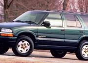 8 SUVs That Went From Being Tough as Nails to Lightweight Family Haulers - image 786102