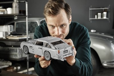 Lego Releases James Bond Aston Martin Db5 Kit Comes With All Your Favorite Spy Fantasy Gadgets Top Speed