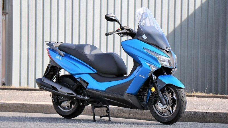 Speed kymco top x 300i town Review: Kymco