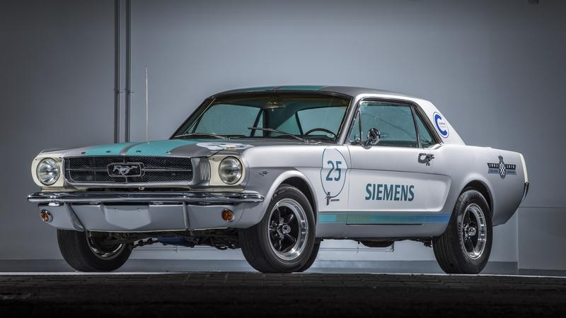 Siemens' Self-Driving Mustang Struggles Up the Goodwood Hill (Video)