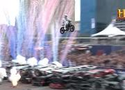 Three of Evel Knievel's most famous stunts recreated by Travis Pastrana - image 786314