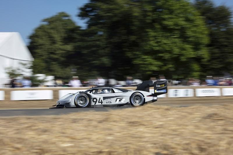Volkswagen I.D. R Pikes Peak Breaks Electric Record at Goodwood FOS