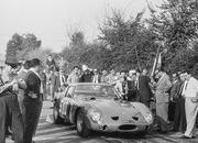 1962 Ferrari 250 GTO Becomes The Most Expensive Car Ever Sold in an Auction - image 792265