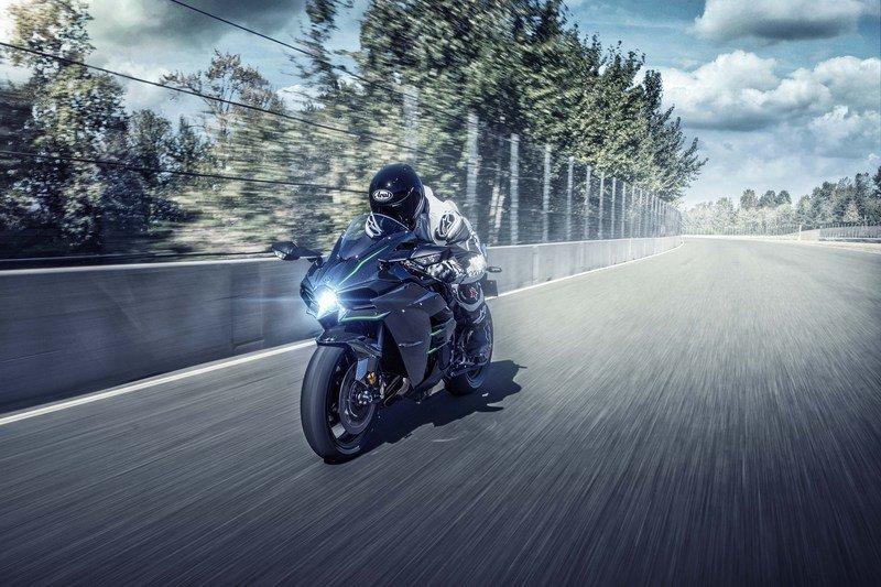 Kawasaki has upped the game with the 2019 Ninja H2 machines Exterior - image 790274