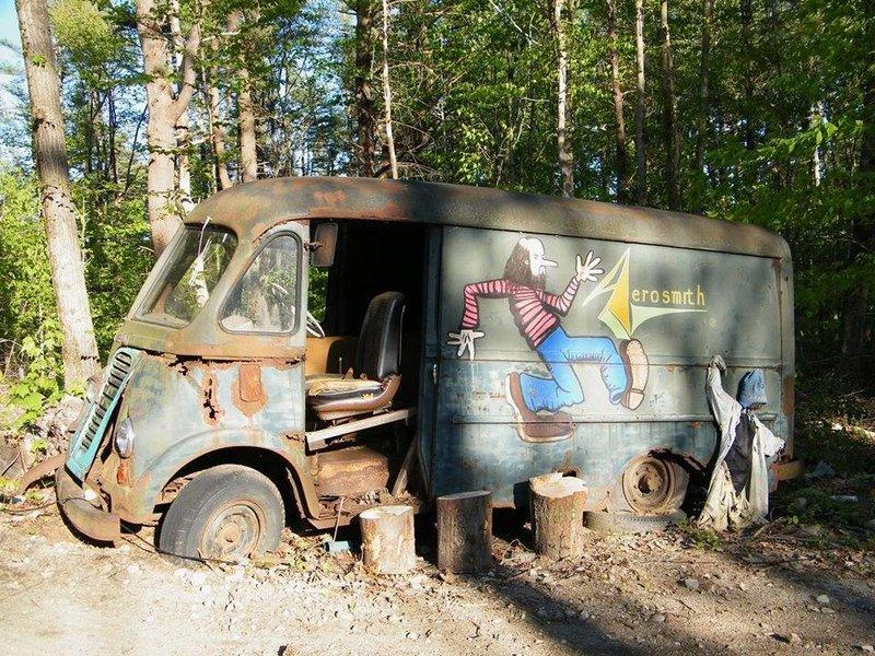 American Pickers Discovered Aerosmith's International Metro Tour Van!