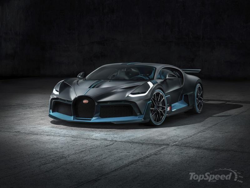 How Does the Bugatti Divo Compare to the Chiron?