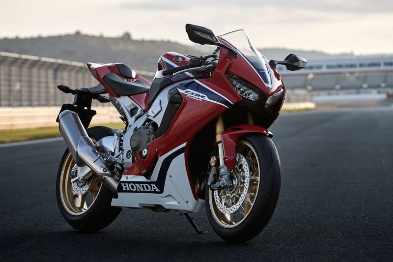 Honda spewing a new CBR1000RR Fireblade with 212 hp?