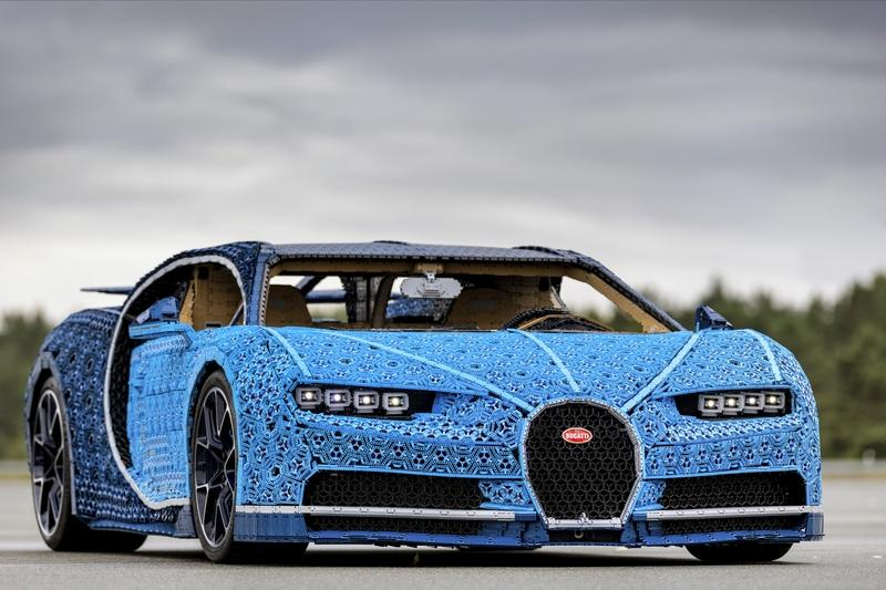 LEGO Technic Seriously Created a Life-Sized, Functional Bugatti Chiron - image 793313