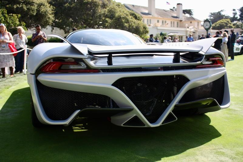 The SSC Tuatara is a 1,750-Horsepower Beast With an Eye on 300 MPH and a Thirst for E85