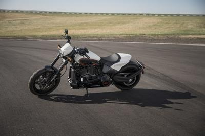 Harley-Davidson launches its most powerful and expensive Softail yet - The FXDR 114 Exterior - image 791258