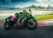 Kawasaki adds more power to their 2019 ZX-10R superbikes - image 794744