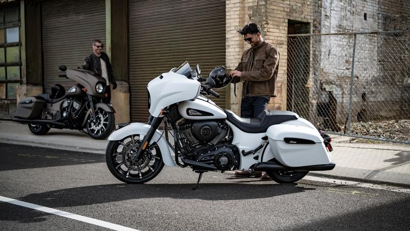 2019 Indian Motorcycle Chieftain Dark Horse - image 794482