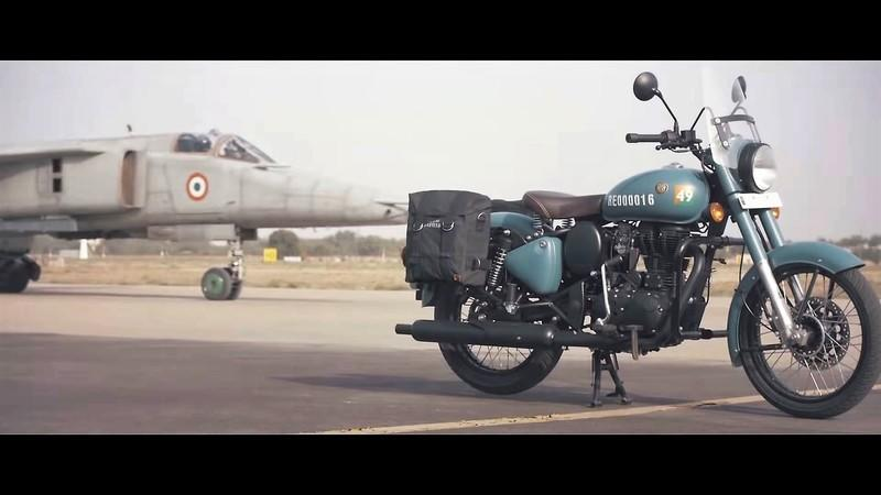 "Royal Enfield salutes the armed forces with this special ""Signals"" edition of the Classic 350 Exterior - image 796550"