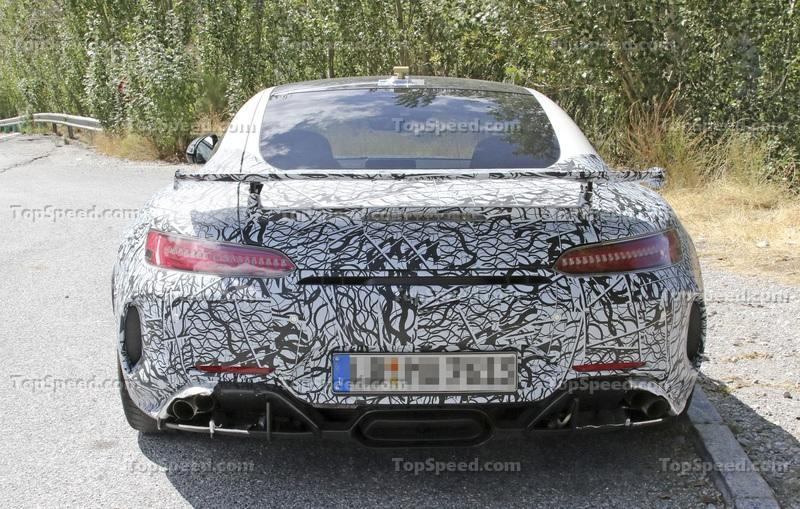 Is this the upcoming Mercedes AMG GT R Black Series? Exterior Spyshots - image 795165