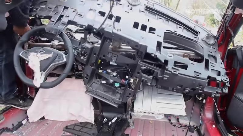 Motherboard Features the Mechanic Reviving Wrecked Teslas: Video
