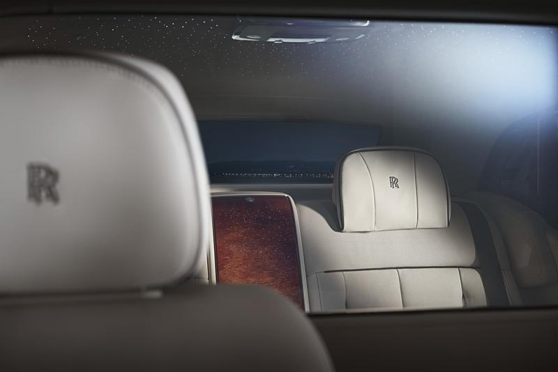Rolls-Royce's Privacy Suite Ensures That Nobody Bothers You When You're Inside the EW Phantom