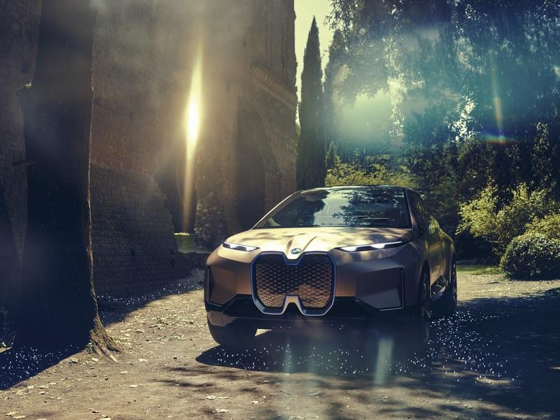 There's A Lot To Like About The BMW iNext Concept, But It's Not All Great