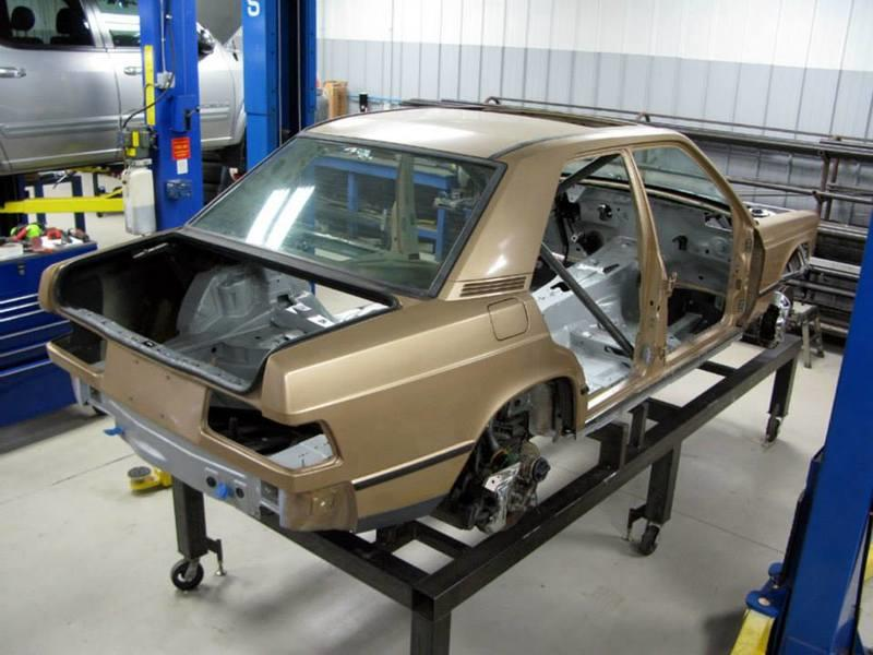 Tuning Firm Puts an 80s Mercedes 190E Body on a 2010 Mercedes-AMG C63 Chassis and the Result is Amazing - image 796606