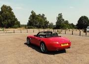 Watch Joe Achilles Drive the Amazing BMW Z8 - image 796413
