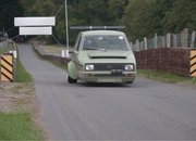 Watch This Absurd CBR-Swapped Reliant Robin Attack a Hillclimb: Video - image 796635