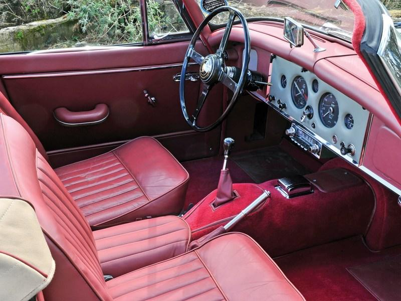 1960 Jaguar XK 150 S 3.8 Drophead Coupe Interior - image 801299